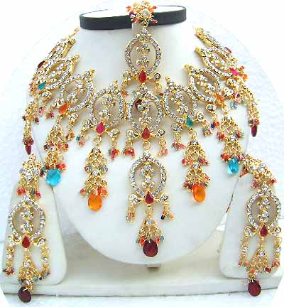 Gold Diamond Bollywood Fashion Jewelry Set JVS-34